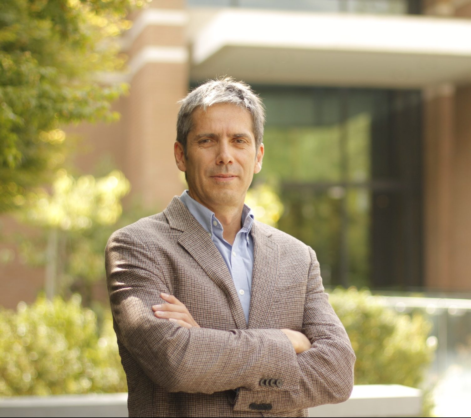 Dr. Javier Enrione Cáceres