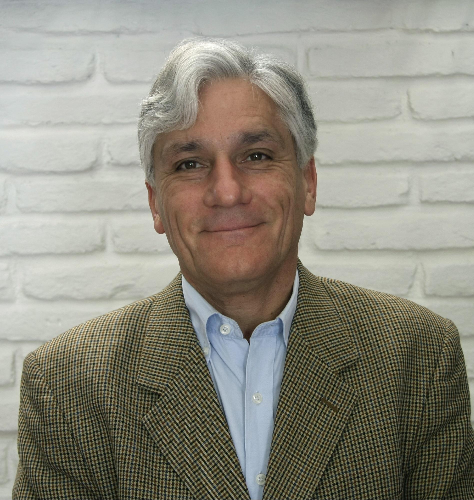 Julio Sagüés H.