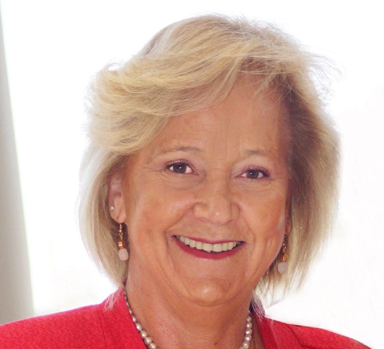 Lorna Prado S.