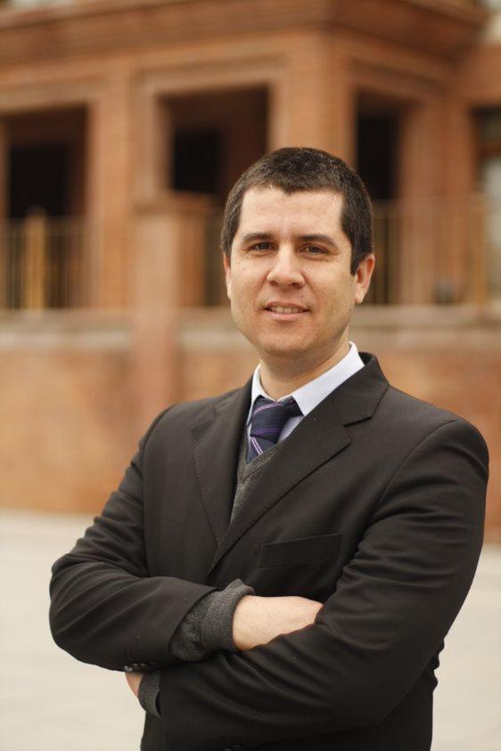 Dr. Víctor Hugo Rojas Orellana