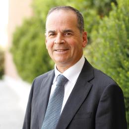 Dr. Mauricio Nally Vigneaux