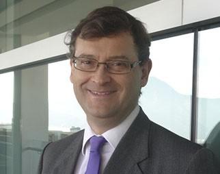 Dr. Carlos Budenvich