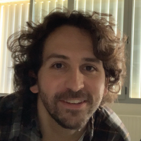 Dr. Adrián Benito Domingo (España)
