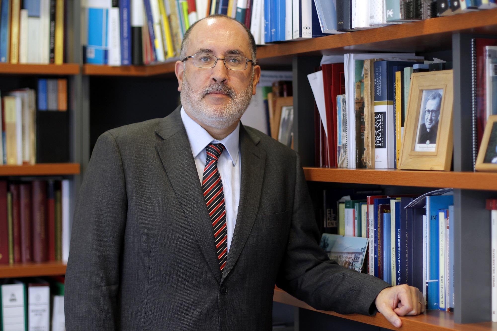Dr. Alejandro Romero S.